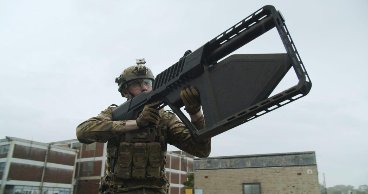 drone-shield-tatical-súng-bắn-flycam