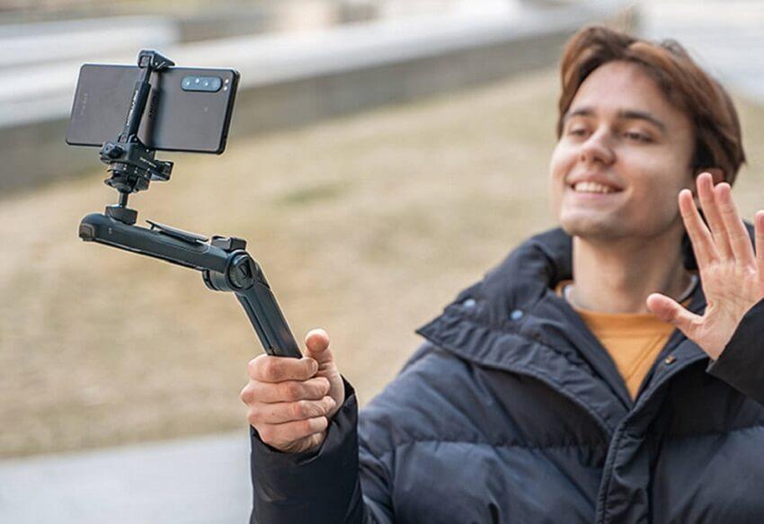 tai-sao-nen-so-huu-mantispod-vlogging-tripod-pgytech